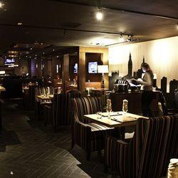 The dining room at Gordon Ramsay Pub & Grill.