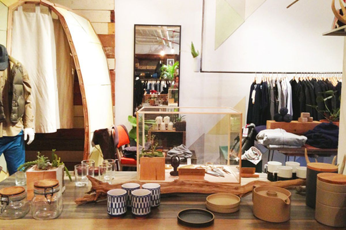 """Image of Voyager Shop SF via <a href=""""http://spottedsf.com/2013/01/02/spotted-san-francisco-mission-7/"""">Spotted SF</a>"""
