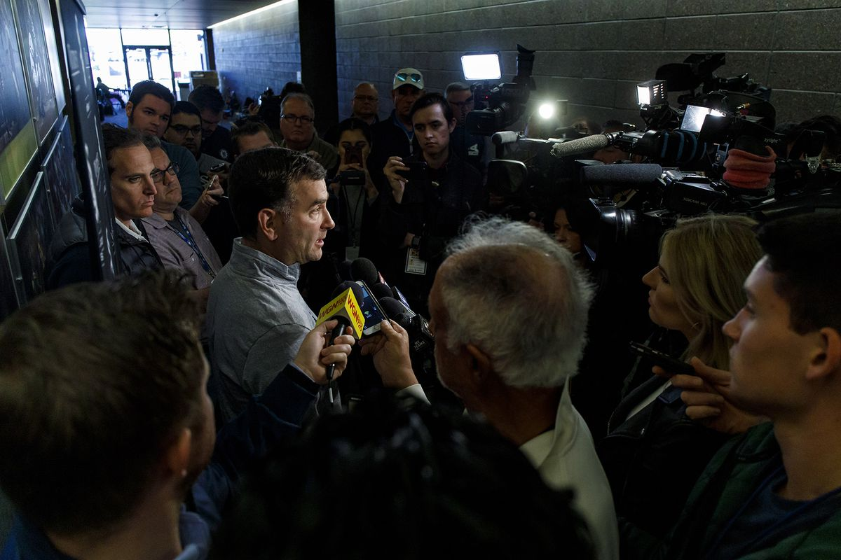 Paul Sullivan: Twitter trolls clearly annoy White Sox GM Rick Hahn, even though he insists he's not 'frustrated' by angry tweets