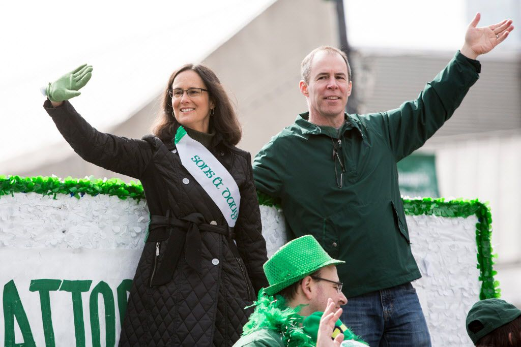 Illinois Attorney General Lisa Madigan with her husband Pat Byrnes in the Chicago St. Patrick's Day parade, Saturday, March 12, 2016. File Photo. James Foster / For Sun-Times Media