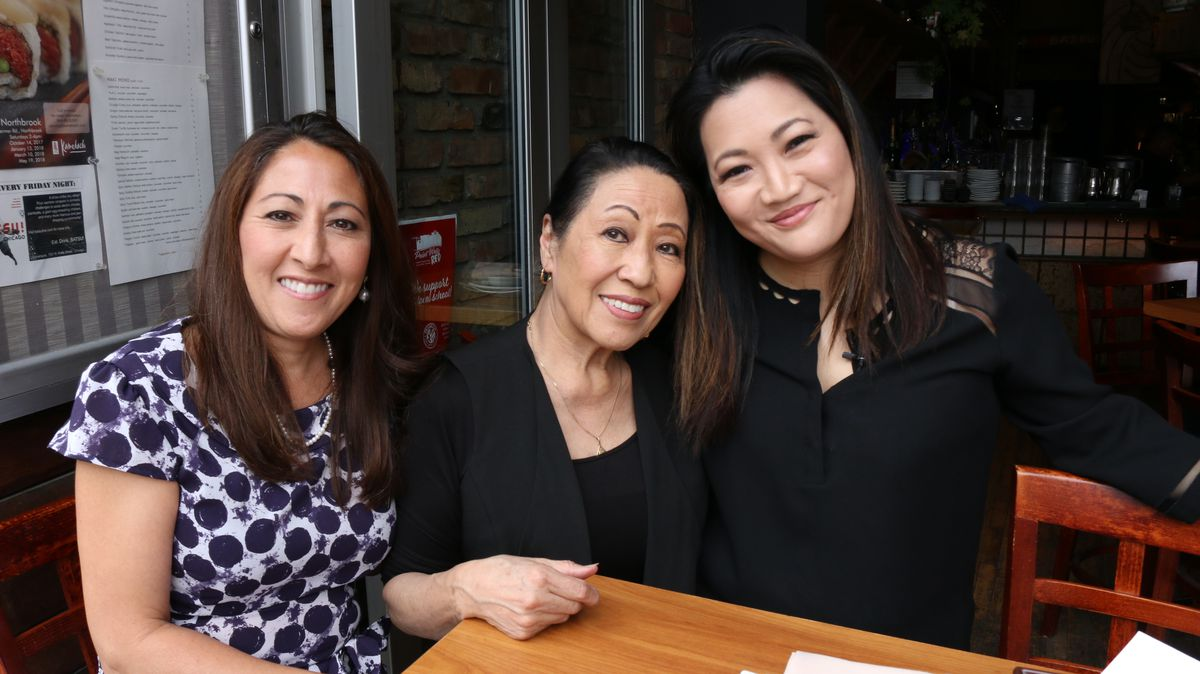 Ji Suk Yi with Marion Konichi (center) and her daughter, Sharon Perazzoli of Kamehachi Restaurant in Old Town | Brian Rich/ For the Sun-Times
