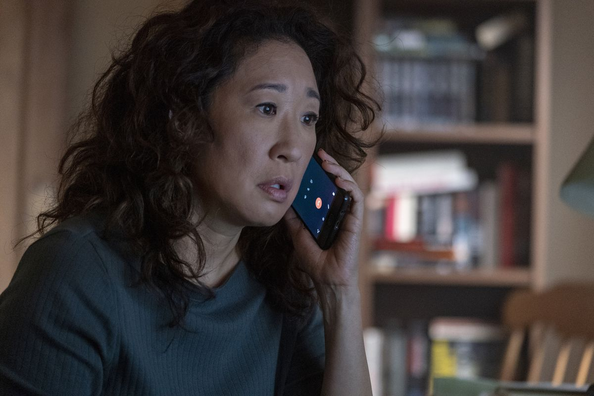 Killing Eve season 2 - Eve Polastri on the phone