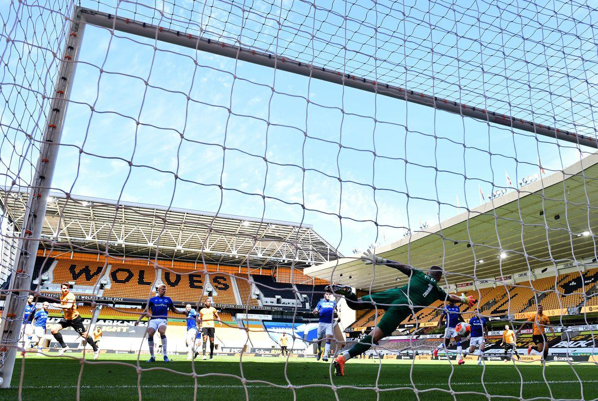 Wolverhampton Wanderers v Everton FC - Premier League