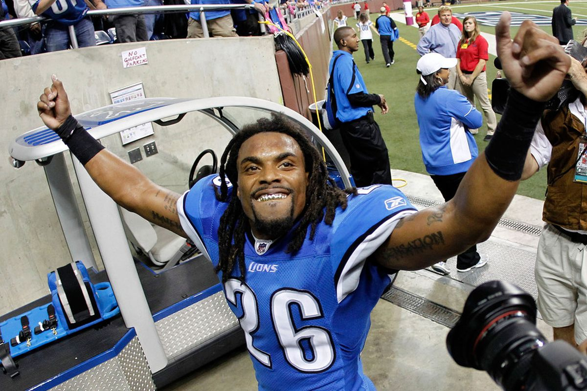 DETROIT, MI - OCTOBER 10:   Louis Delmas #26 of the Detroit Lions leaves the field after defeating the Chicago Bears 24-13 at Ford Field on October 10, 2011 in Detroit, Michigan.  (Photo by Gregory Shamus/Getty Images)
