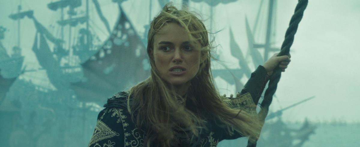 elizabeth in her pirate king garb, we stan