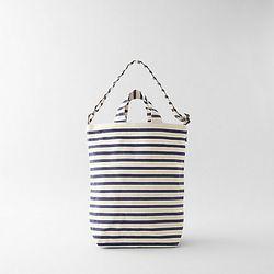 """Baggu bag, <a href=""""http://www.stevenalan.com/114944.html"""">$10 (was $26)"""