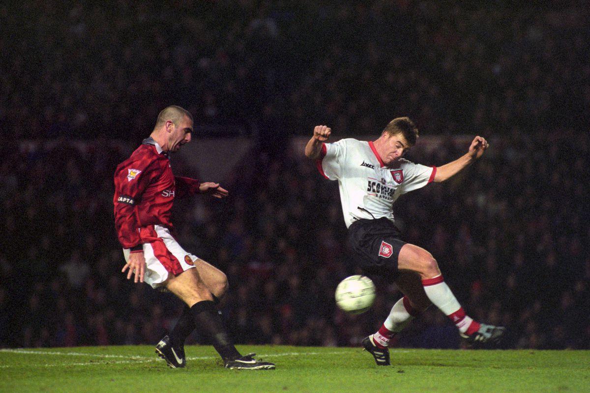 Soccer - FA Carling Premiership - Manchester United v Sunderland - Old Trafford