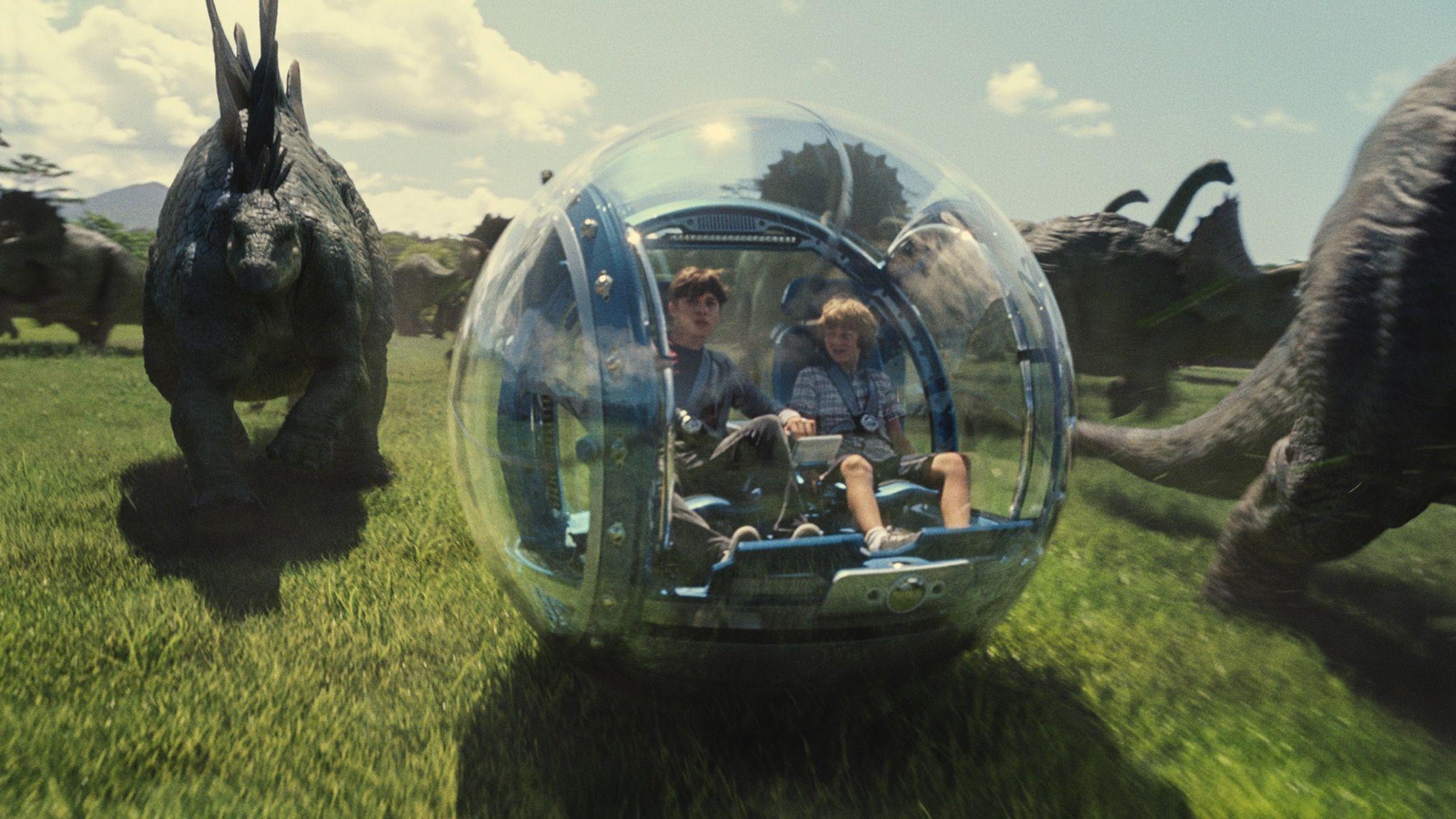 Jurassic World promotional images (UNIVERSAL)
