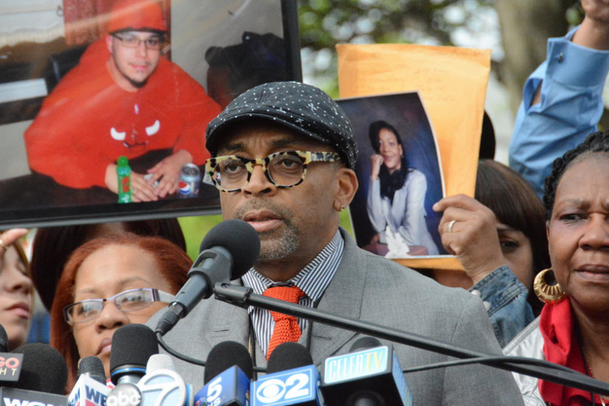 ee6a84f436b Director Spike Lee speaks at a news conference last week about the new  movie he is filming in Chicago. He has titled the movie ''Chiraq.
