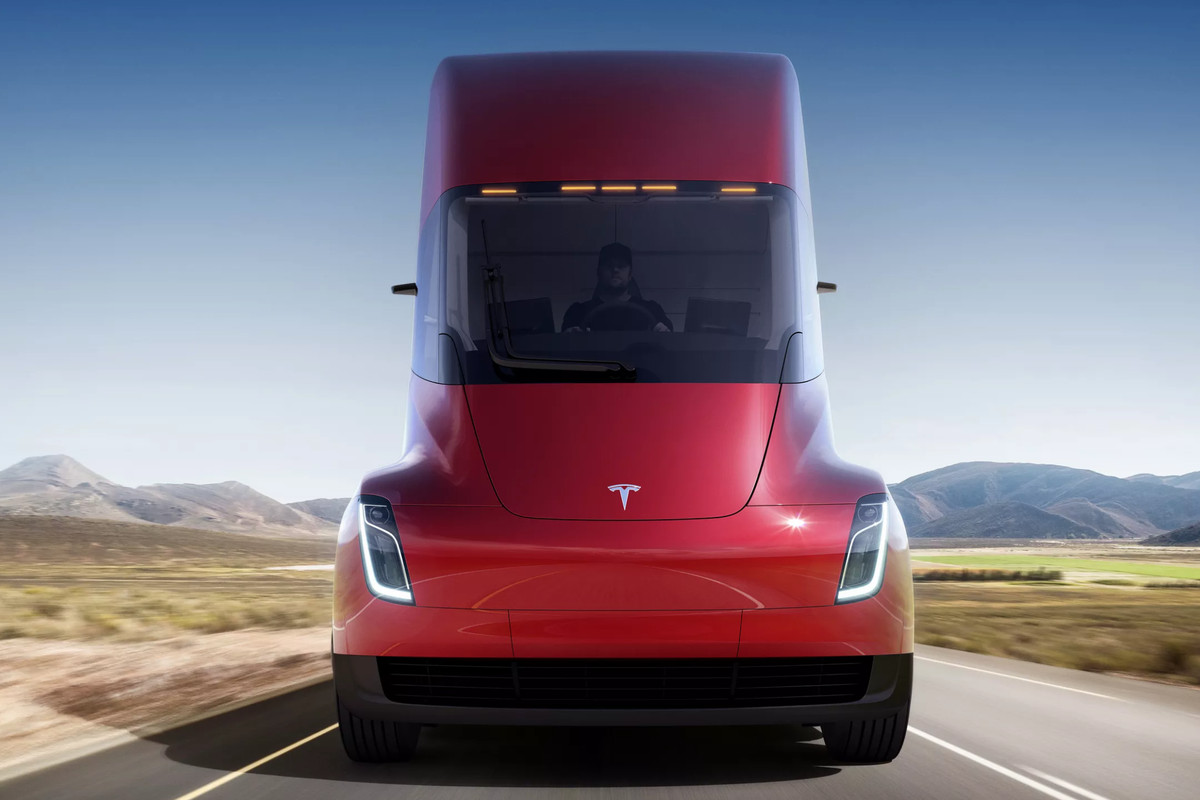 Elon Musk's Tesla unveils its first electric lorry