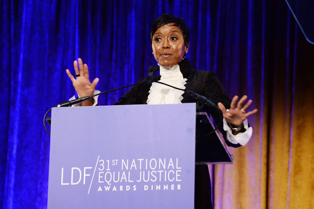 Mellody Hobson speaking from behind a podium.