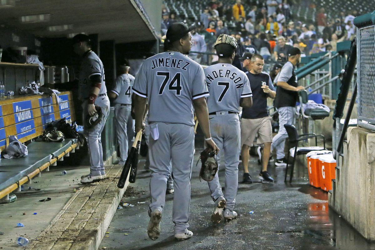 The White Sox leave the dugout after a loss to the Tigers.