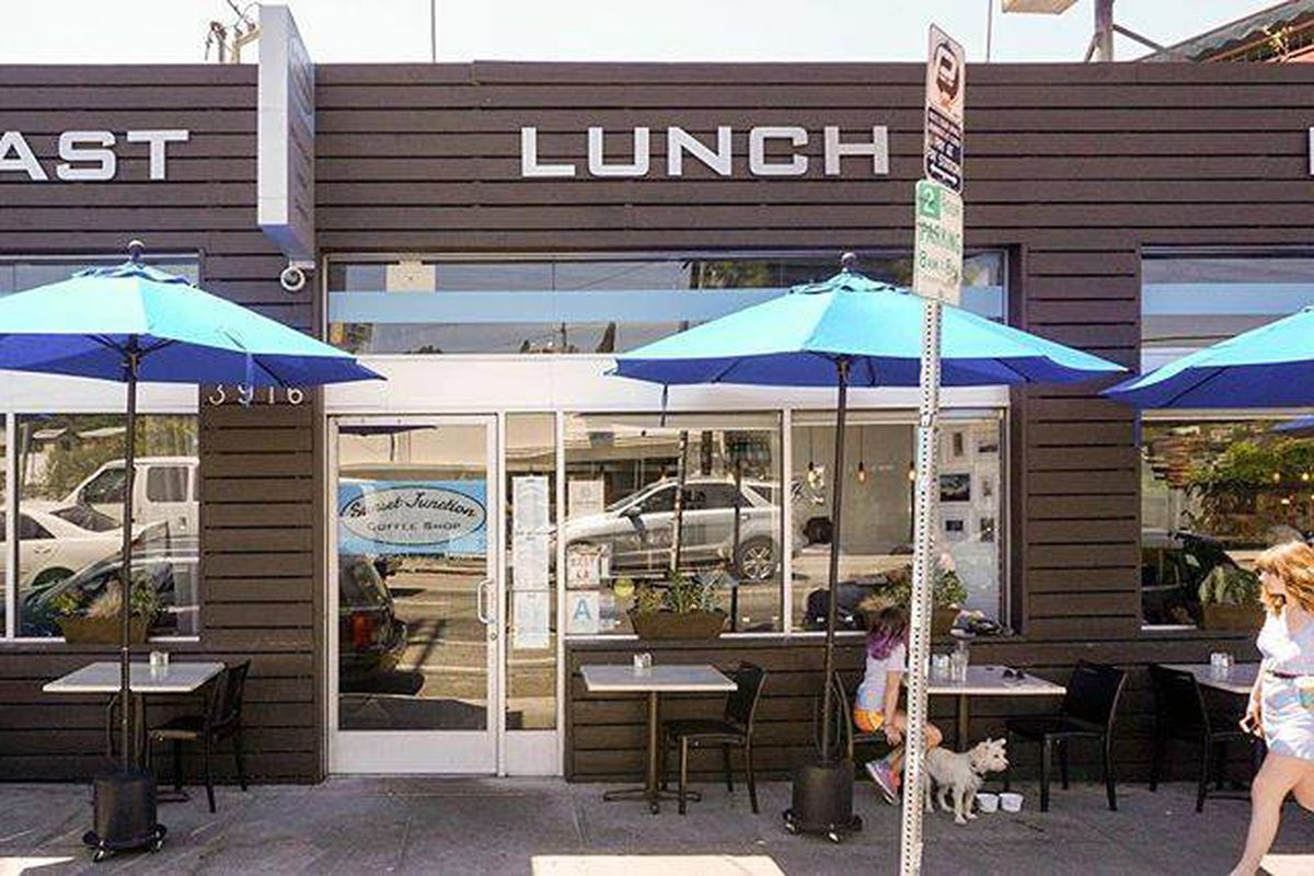 Silver Lake S Mellow Sunset Junction Diner To Close This