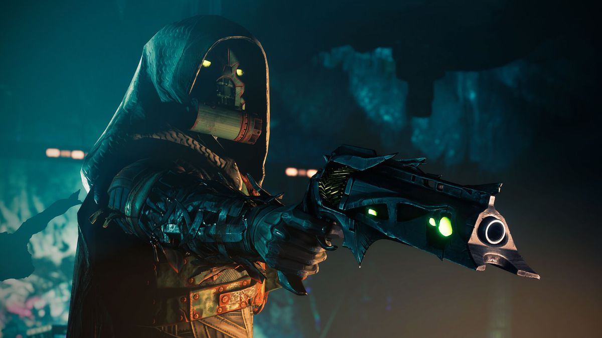 Destiny 2 - the Shadow wielding Thorn against the Drifter