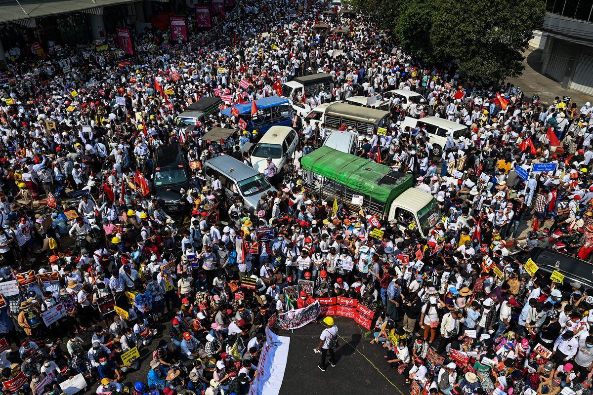 Myanmar protests: Pro-democracy movement is strengthening - Vox
