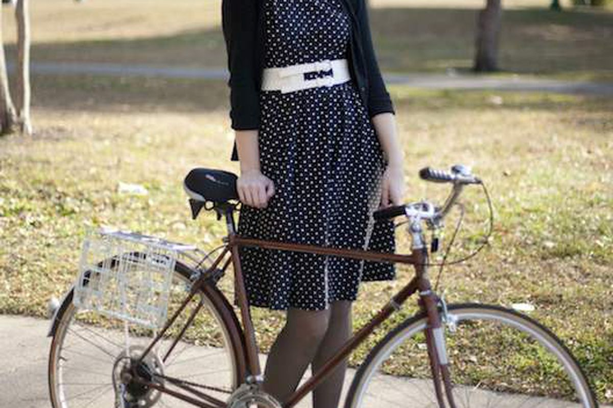 "Via photographer Martha Williams' blog <a href=""http://bikefancy.blogspot.com/"">Bike Fancy</a>"