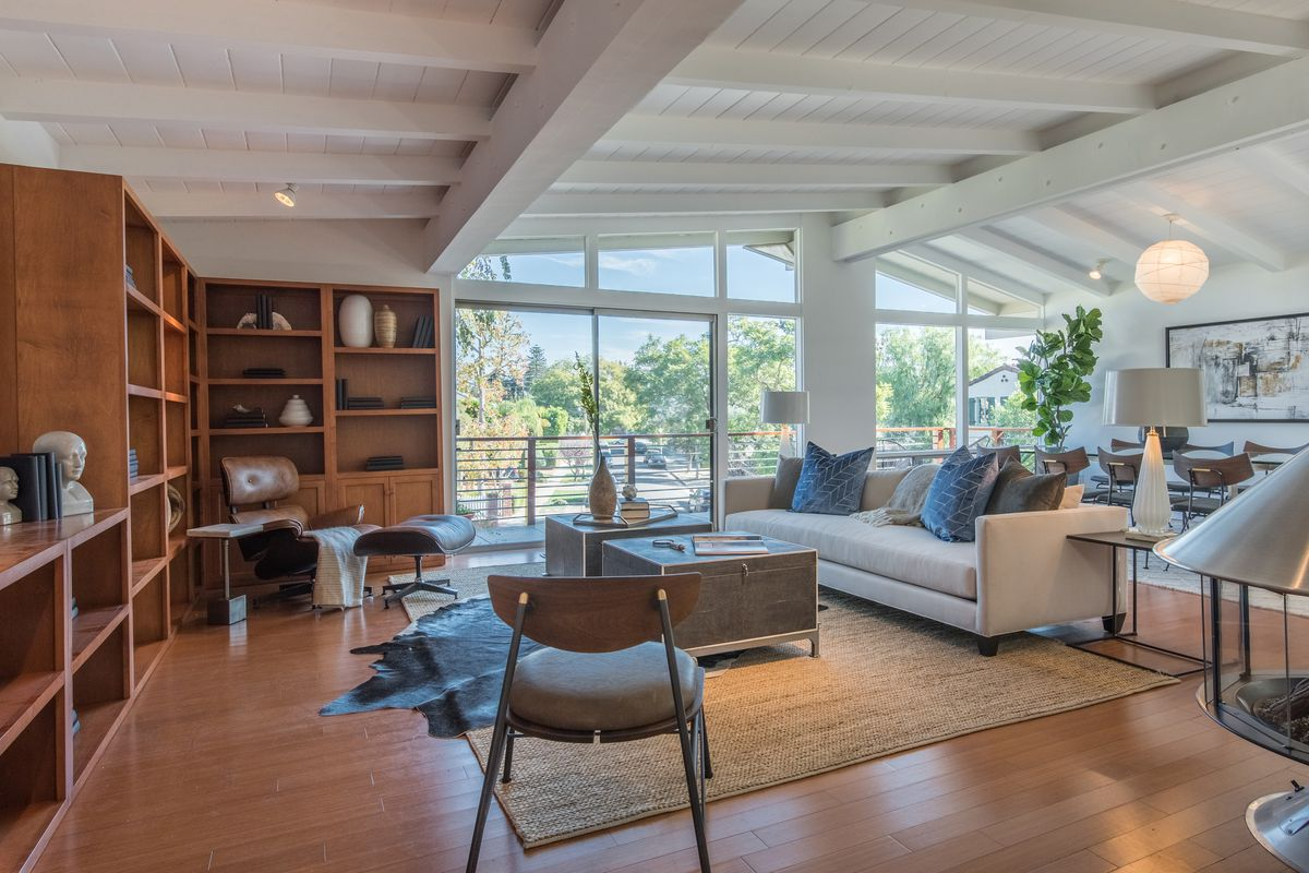 Smartly updated brentwood modern seeks 2 4m curbed la for Open floor plans with vaulted ceilings