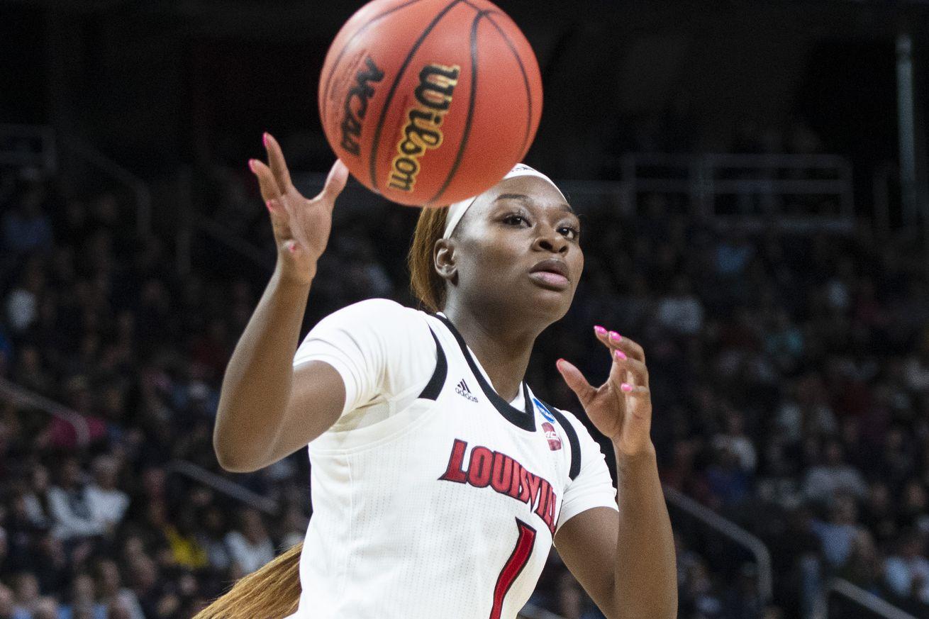 NCAA BASKETBALL: MAR 31 Div I Women's Championship - Quarterfinals - Connecticut v Louisville