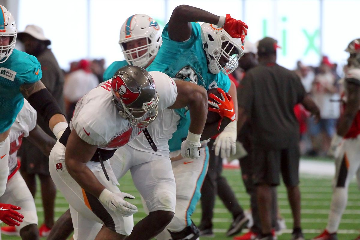 NFL: AUG 14 Buccaneers and Dolphins Joint Practice