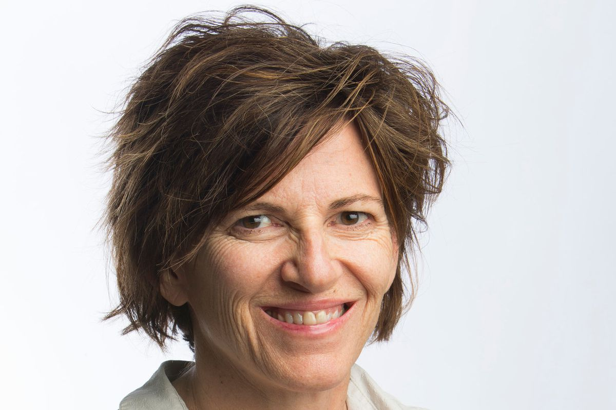 Facebook Has Hired Former Nyt Public Editor Liz Spayd As A