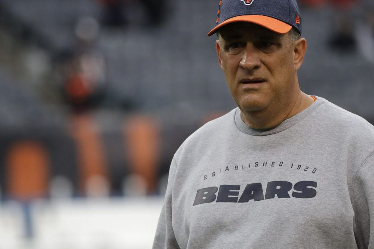 9fdfff3a375 Bears defensive coordinator Vic Fangio (right) reportedly is one of two  finalists for the Denver Broncos head coaching job. Former Titans coach  Mike Munchak ...
