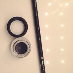The only thing in life I need is as much as air is black eyeliner. I live, love, <i>lust</i> black eyeliner.