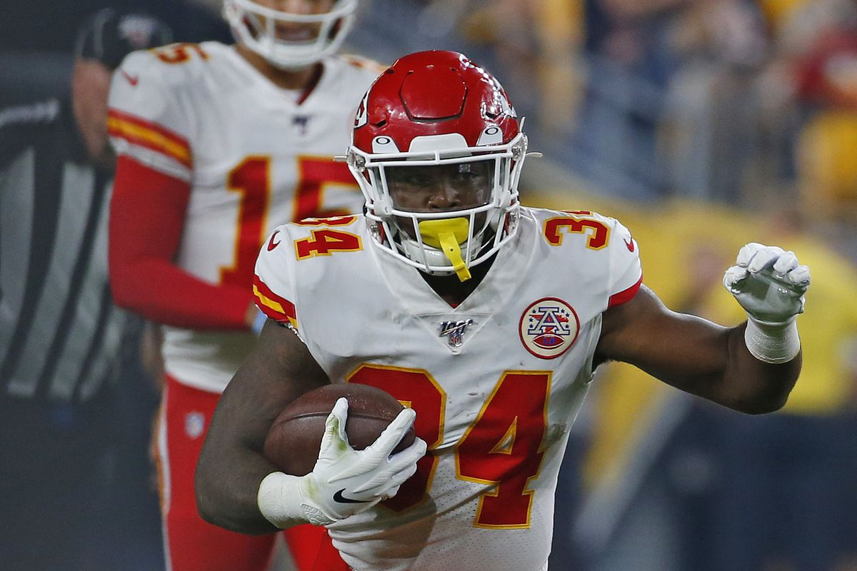 Kansas City Chiefs running back Carlos Hyde runs with the ball during a preseason game against the Pittsburgh Steelers on August 17, 2019 at Heinz Field in Pittsburgh, Pennsylvania.