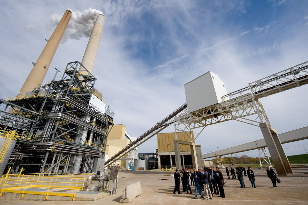 trump s epa plans to lift co2 limits on coal power plants vox