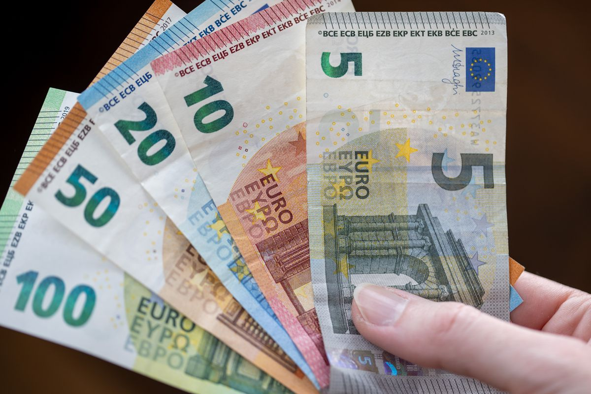 Symbol image - banknotes