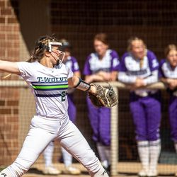 Lehi and Timpanogos face off in a high school softball game at Timpanogos High School on Thursday, April 1, 2021.
