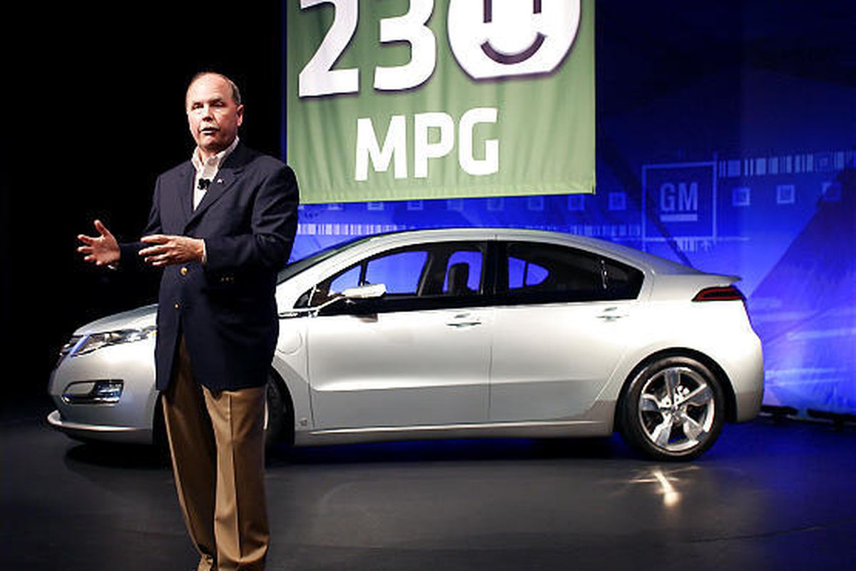 GM President and CEO Fritz Henderson addresses the media at GM's Tech Center in Warren, Mich. during a news conference regarding the Chevy Volt's 230 composite MPG rating Tuesday.