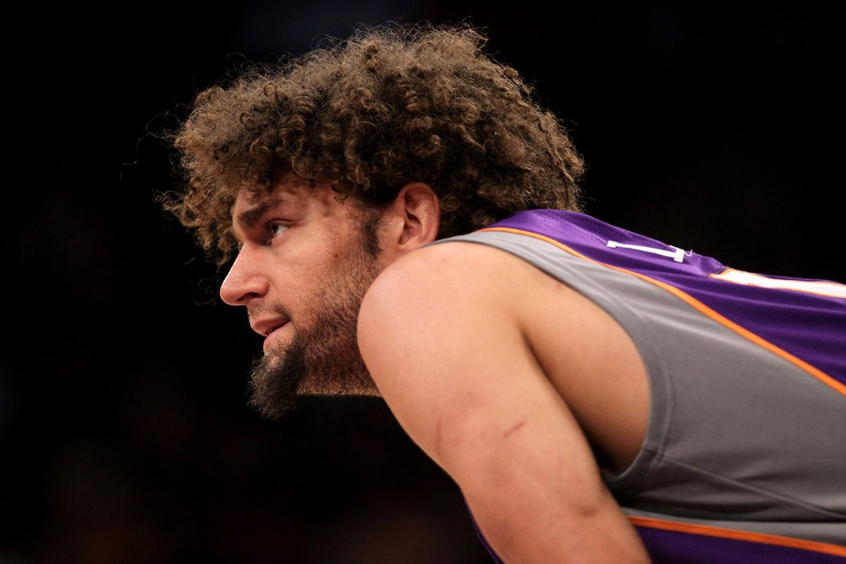 It doesn't make sense for the Suns to go into this off-season with Robin Lopez as a restricted free agent.