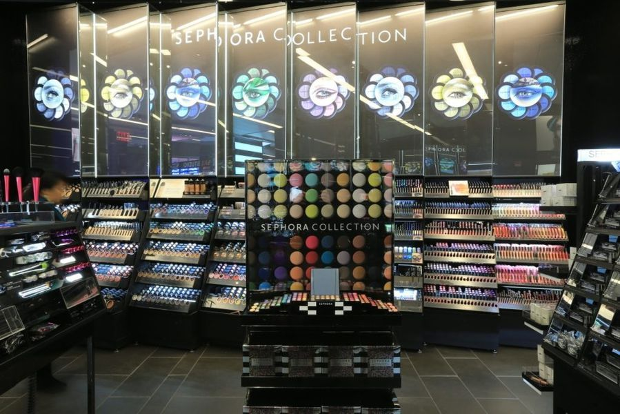 Also, if you don't have access to a Sephora location, then you can always go to a Department store or MAC store and have a makeup consultation done as well, they don't technically charge you for a makeup consultation, but you're expected to purchase some form of makeup that they used on you.