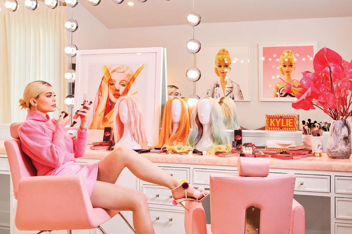 Inside Kylie Jenner S Playful Bright Hidden Hills House