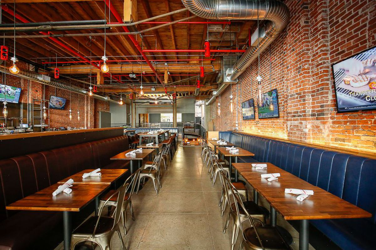 Element Kitchen & Cocktail at the Top of Broadway\'s Sports Bar Game ...
