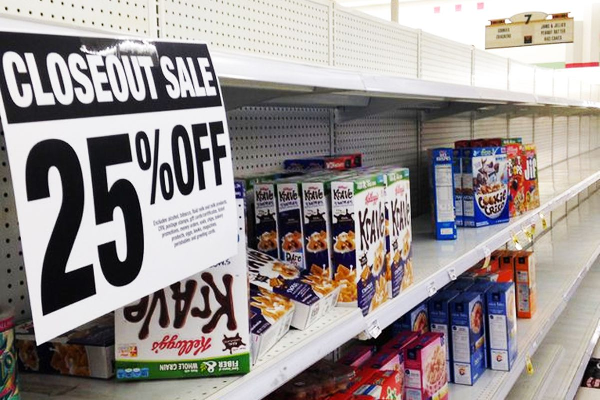"""Photo: <a href=""""http://www.theeastsiderla.com/2015/03/final-sale-at-the-silver-lake-ralphs/"""">The Eastsider</a>"""