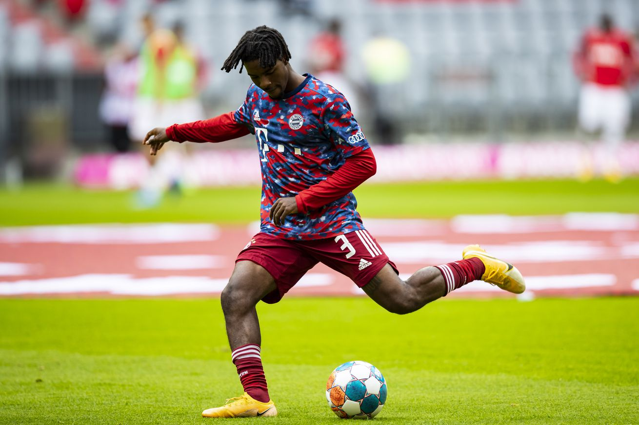 Omar Richards is taking too many risks with Bayern Munich