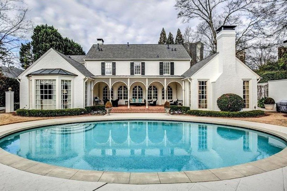 Asking $2.5 million, this traditional brick estate in Peachtree Heights immediately went under contract upon listing in May. Here's a photo.