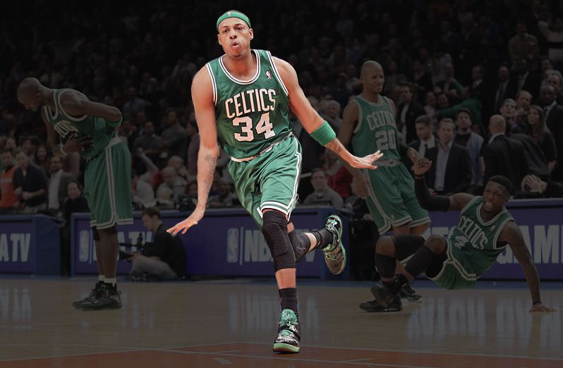 The same photo with Paul Pierce's shoes highlighted