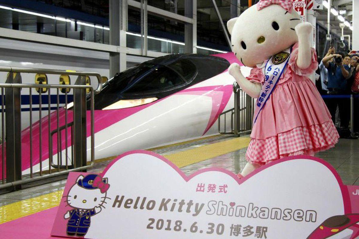 "7279f71e7 A Hello Kitty-themed ""shinkansen"" bullet train is unveiled at JR Shin Osaka  station, in Osaka, western Japan, Saturday, June 30, 2018."