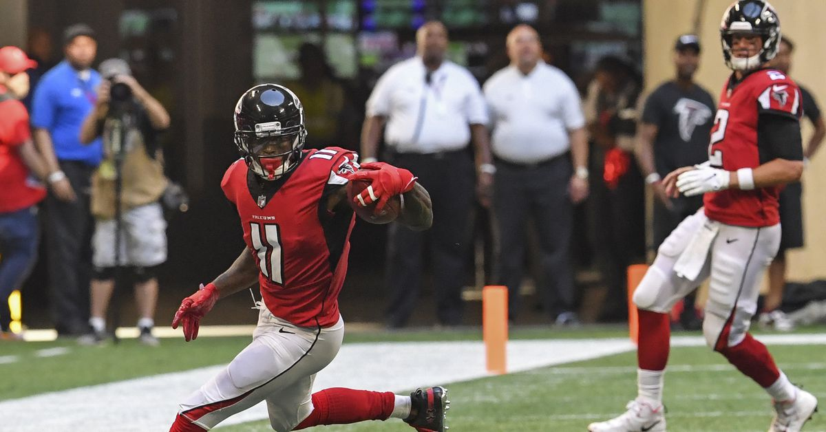 Falcons WR Julio Jones is staying out of the end zone at historic pace