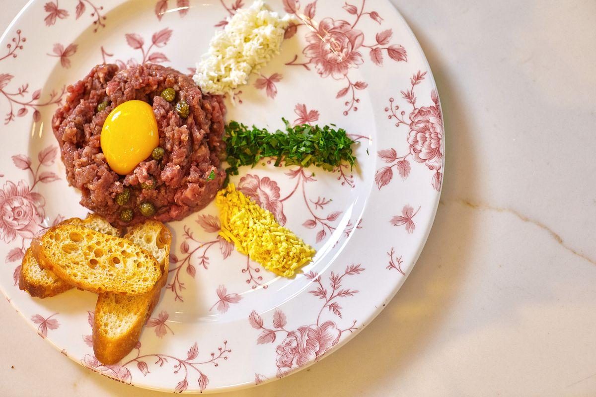 Steak tartare at Maison Danel