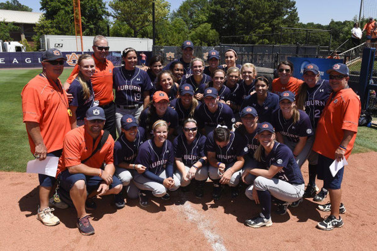 Auburn's 2015 Softball team