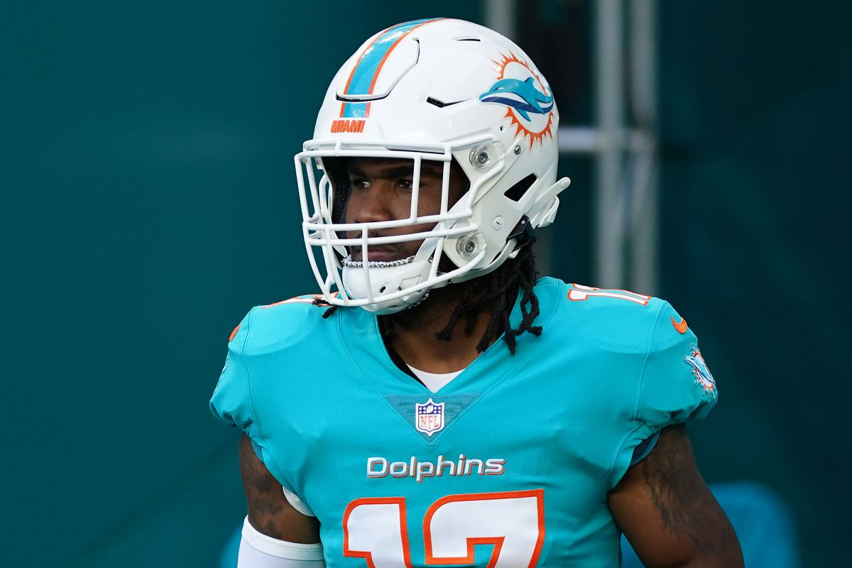 Miami Dolphins wide receiver Jaylen Waddle (17) walks onto the field to warms up prior to the game against the Atlanta Falcons at Hard Rock Stadium.
