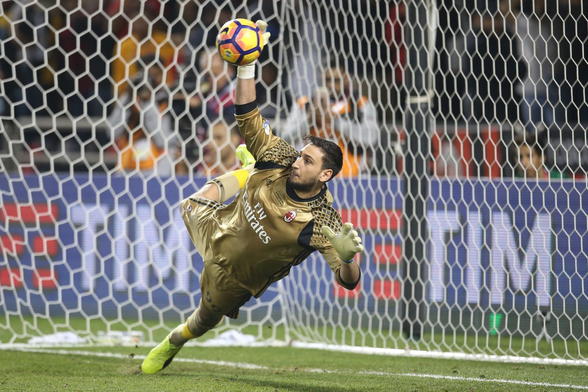 Teenage goalkeeper Donnarumma to leave AC Milan