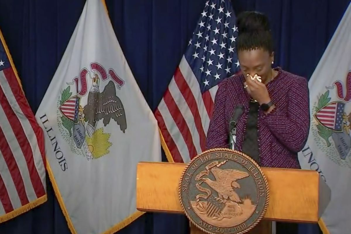 Dr. Ngozi Ezike broke down during Friday's daily briefing as she announced the state's COVID-19 numbers.