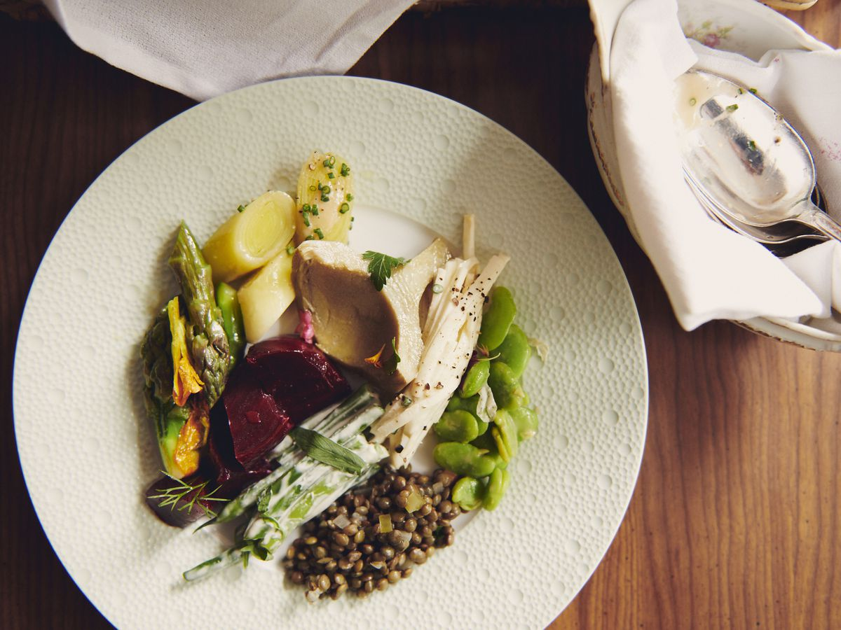 Marinated beets, celery remoulade, blanched asparagus, artichoke barigoule, leeks vinaigrette, marinated haricot verts, and lentil salad from the tableside vegetable cart