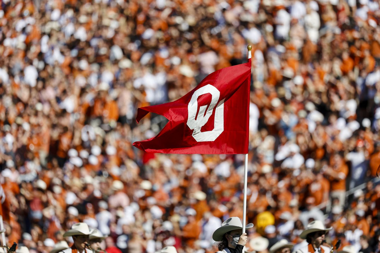 COLLEGE FOOTBALL: OCT 09 AT&T Red River Showdown - Oklahoma v Texas