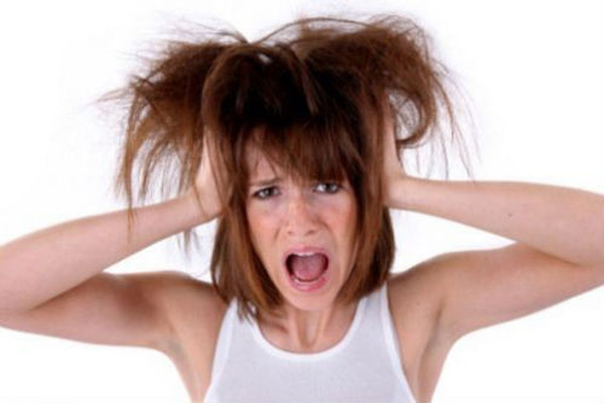 """Image credit: <a href=""""http://www.examiner.com/article/why-does-humidity-make-my-hair-frizzy"""">examiner</a>"""