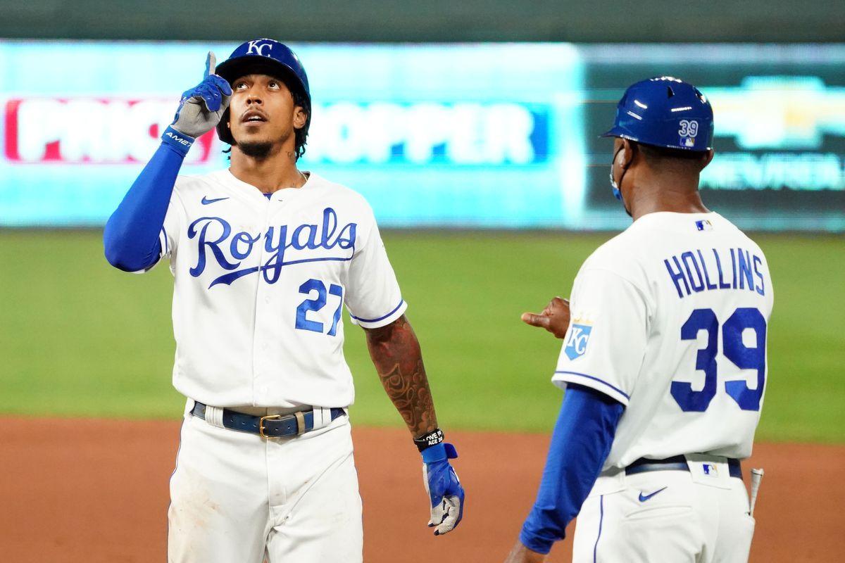 MLB: Game Two-Cincinnati Reds at Kansas City Royals